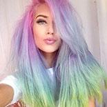 Rozhodla si sa pre dúhové vlasy? Na čo si dať pozor