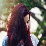 Čo ničí tvoju farbu na vlasy?