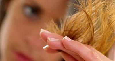 poškodené vlasy
