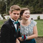 Keď sa partneri chystajú spolu na ples