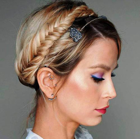 Blond fishtailed crown