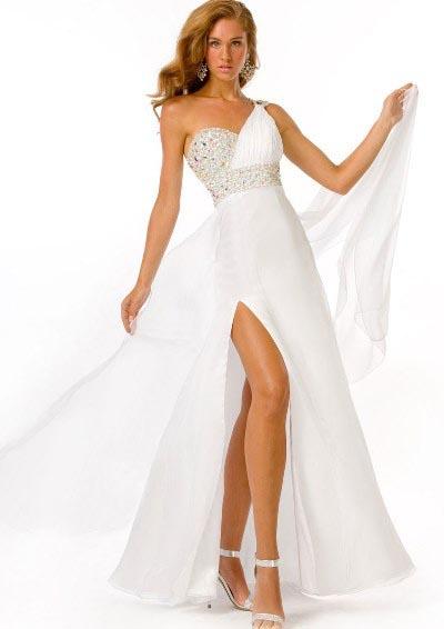 Aké sú vhodné šaty na stužkovú  6b89593d10c